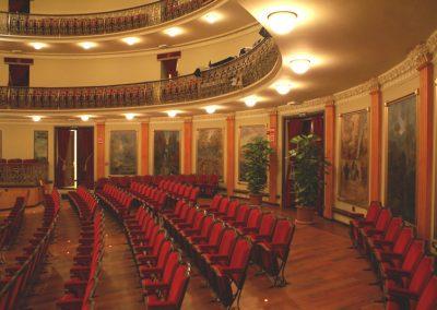 Instalación de butacas para teatros, cines y auditorios